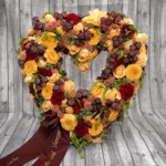 Herz aus Blumen – Trauerfloristik