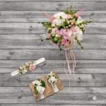 Brautstrauß. Blumen-Armband für Trauzeugin und Anstecker